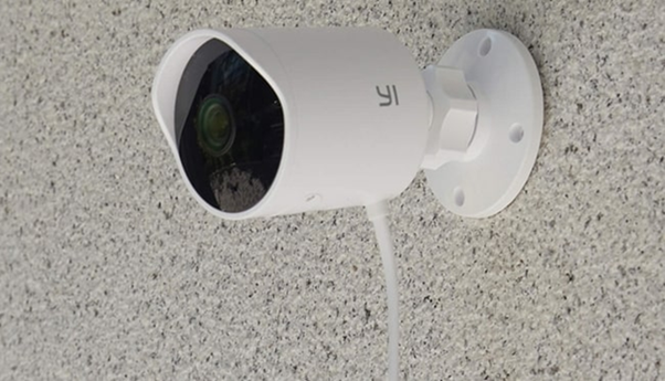 Внешний вид Yi Smart Outdoor Camera